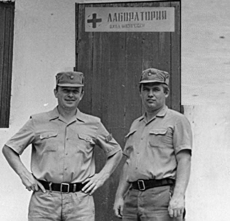 лаборатория ВСЭ, Республика Куба. В.П. Ветров и А.И. Логиновский, 12 УЦ 1976г.