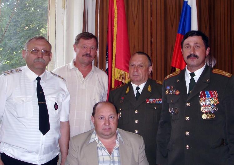 Председатель совета ветеранов ВСС ВС, с В.П. Ветров с офицерасм  службы