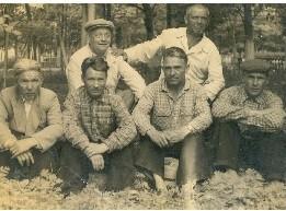 Ветров Петр с товарищами по работе в учхозе капланбек