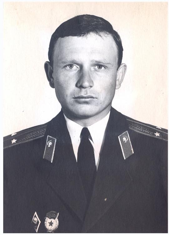 лейтенант ветеринарной службы Ветров Виталий. 1972 год