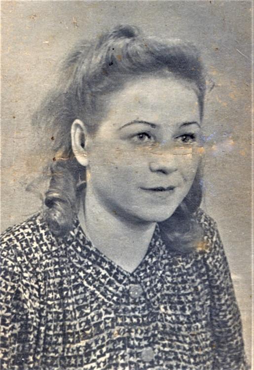 Валентина Константиновна Щербакова. Алма-ата. 1939 год..