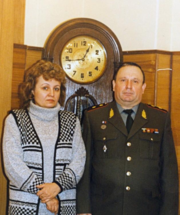 10 лет службы на Красной площади в Москве, в Доме № 5. Ветровы - Виталий и Галина