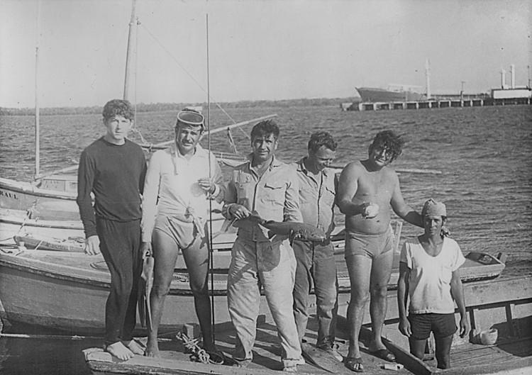 порт - пункт Манати, Виталий Ветров справа третий, Республика Куба, 1976г