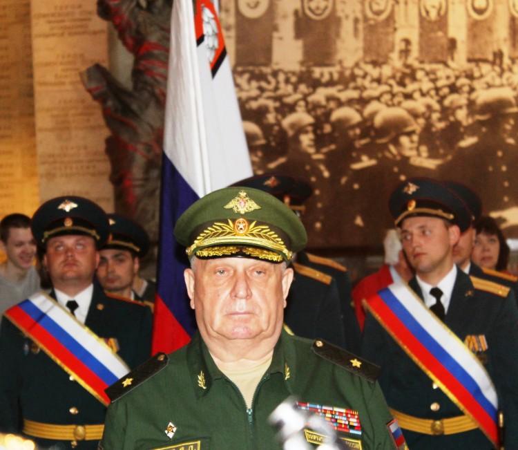 на принятии присяги в воинской части, генерал-майор ветеринарной службы В.П.Ветров