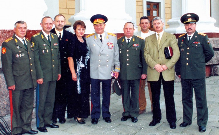 генерал армии В.М. Архипов с подчиненными, Ветрова Галина в центре