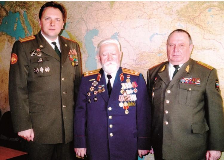 Ю.Г. Боев, Н.Ф. Шуклин, В.П. Ветров в Военном ветеринарном институтек