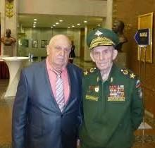 генерал-майор В.П.Ветров с командующим войсками БВО генералом армии .М.Шуралевым