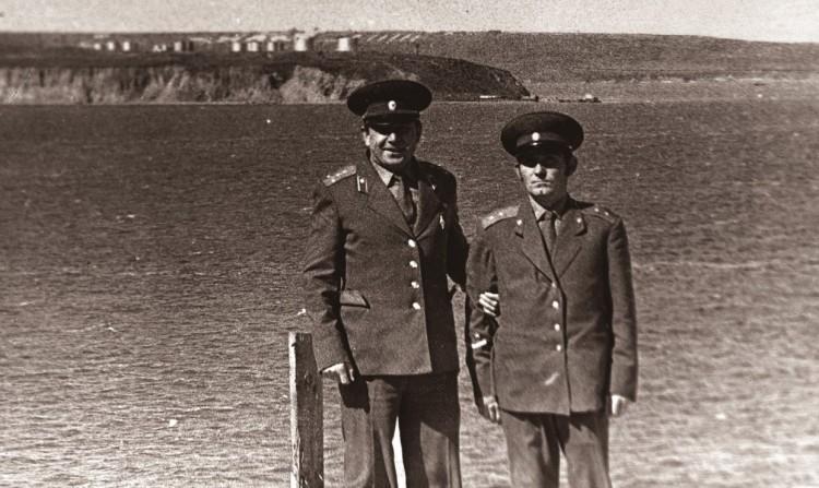 Старший ветинспектор 51 ОА В.П. Ветров, прапорщик Василий 886 ВЭО, Угольные копи.