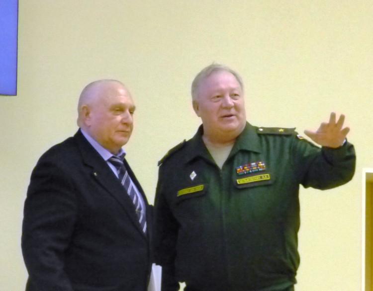 генерал-майор ветеринарной службы Виталий Ветров и генерал А.А. Целиковский