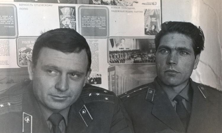 военные ветеринары В.П.Ветров, В.Е.Ладаткин 44 ВЛ ДВО