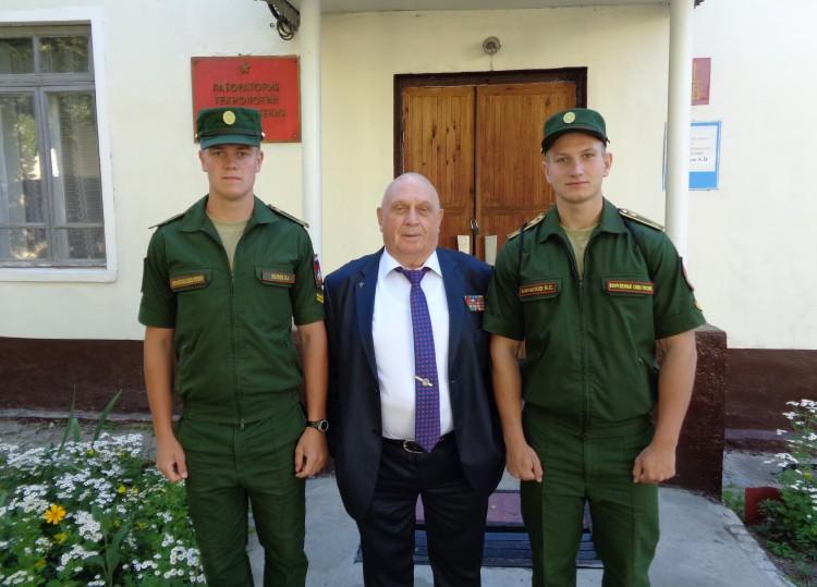 Виталий Ветров с  курсантами