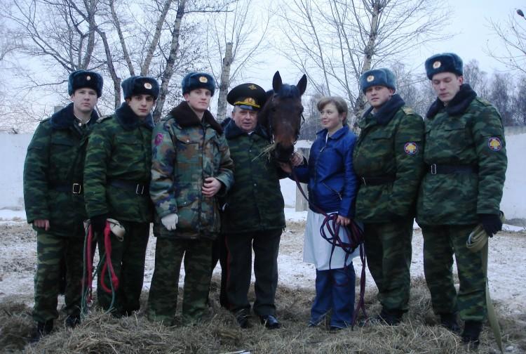 председатель совета ветеранов ВСС ВС В.П. Ветров на практических занятиях в ВВИ. 2007г.