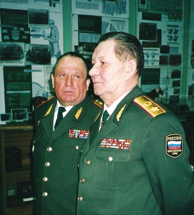 генерал армии В.М. Архипов и генерал-майор В.П. Ветров в ВВИ