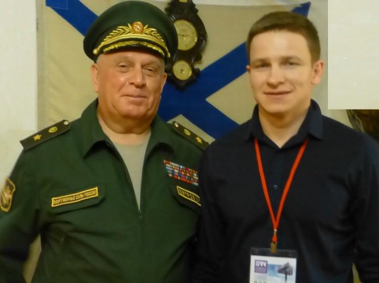 генерал-майор В.П.Ветров с воспитанником И.Н. Макаровым