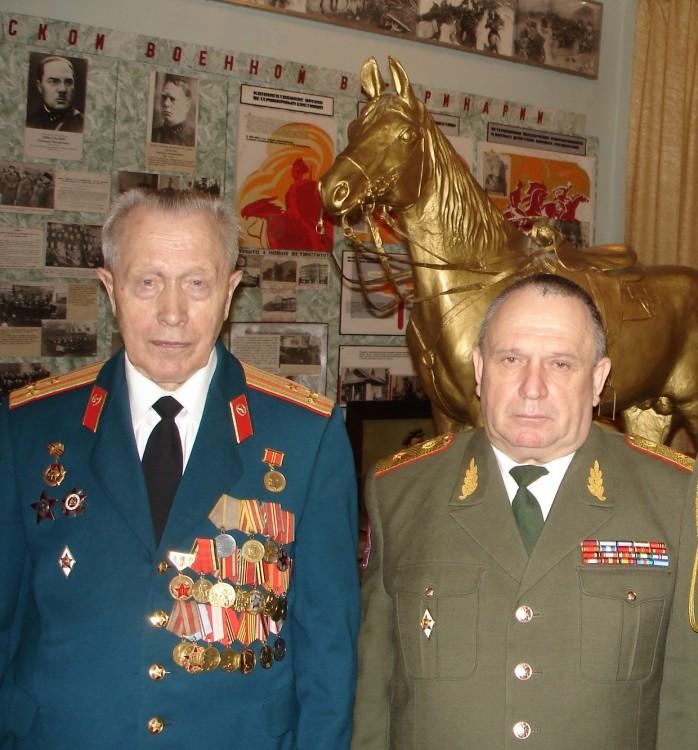 полковник А.А. Немиров, генерал-майор ветеринарной службы запаса Виталий Ветров