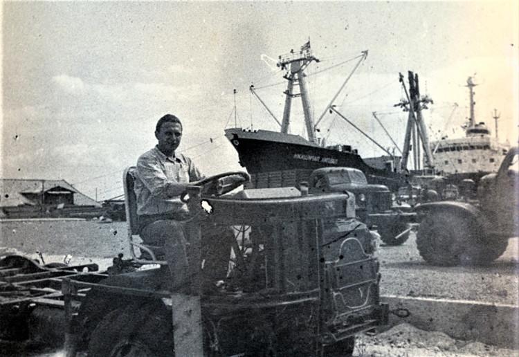 Разгрузка генерального груза в порту. Виталий Ветров. Куба