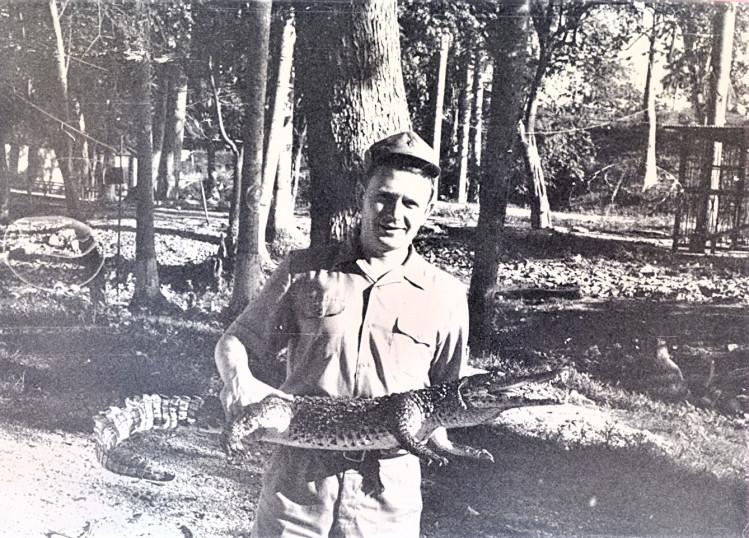 старший лейтенант  Виталий Ветров на Амазонке. Нарроко, Республика  Куба, 1975 год