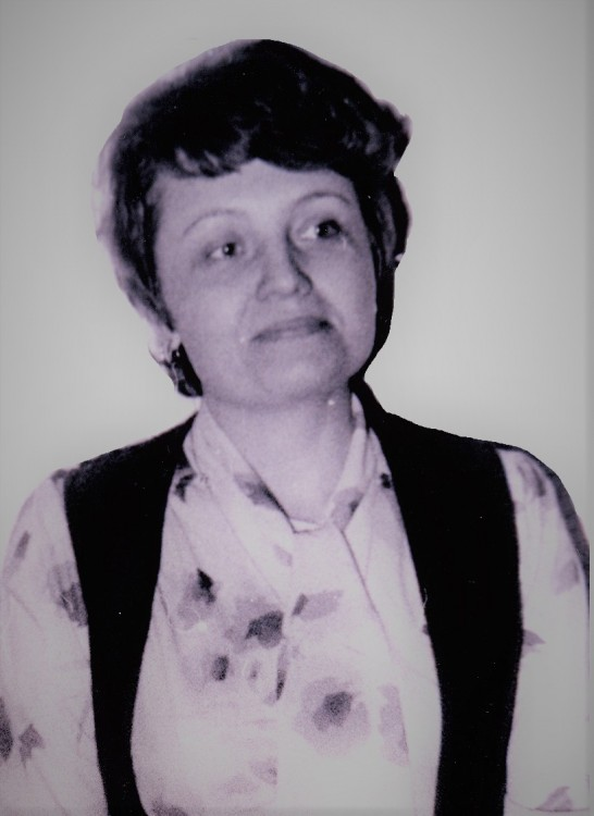 Галина Владимировна в 30 лет на Сахалине