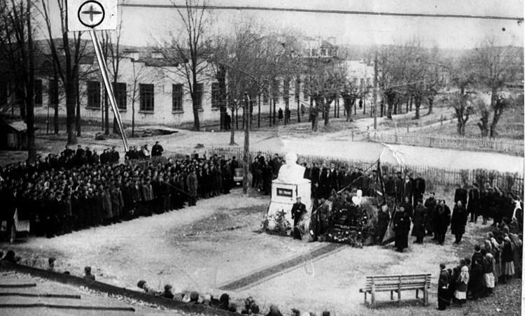 траурный митинг 05.03.1953г. умер И.В.Сталин