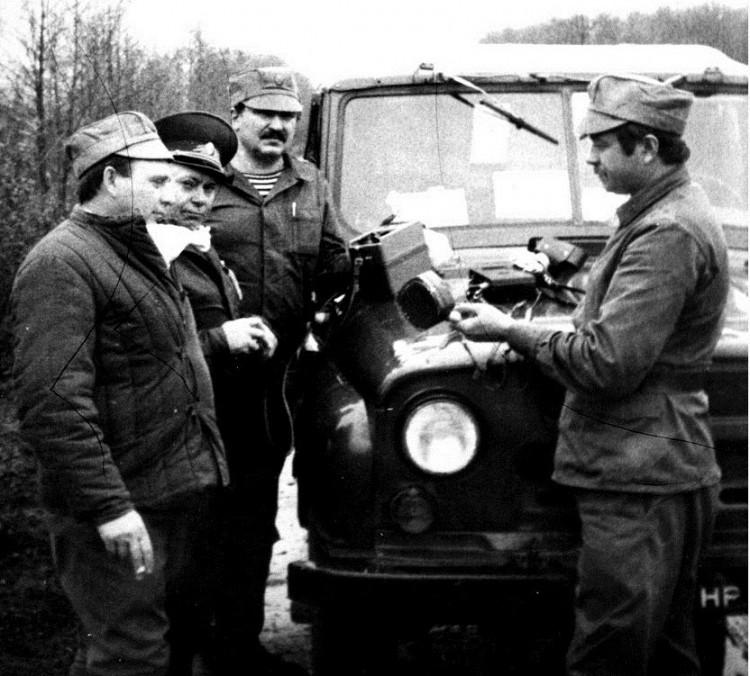 начальник ветеринарной службы БВО В.П.Ветров, генерал А.Н.Трегуб, Евгений Панковец, А.Куделич, сектор БВО, Чернобыль1986г