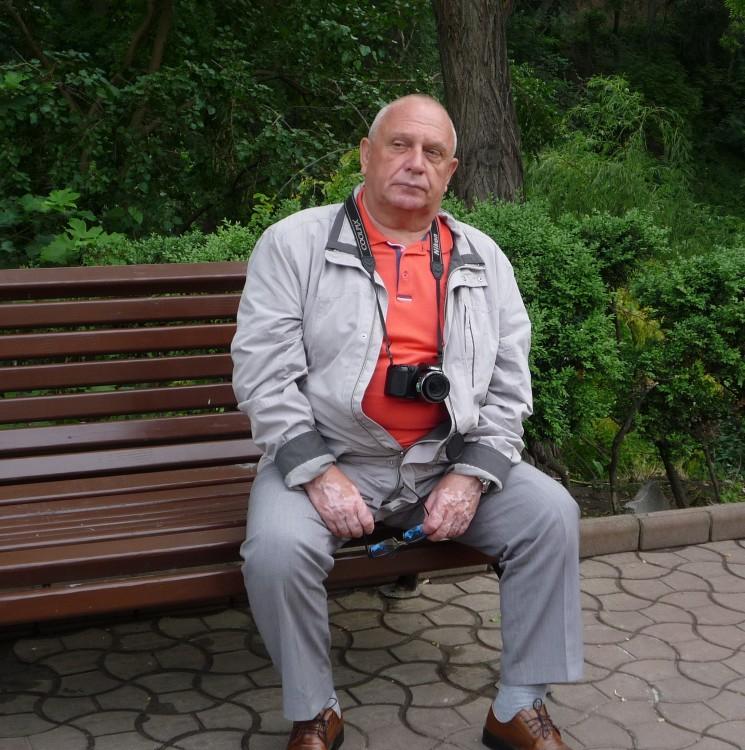 В раздумье. город-герой Одесса