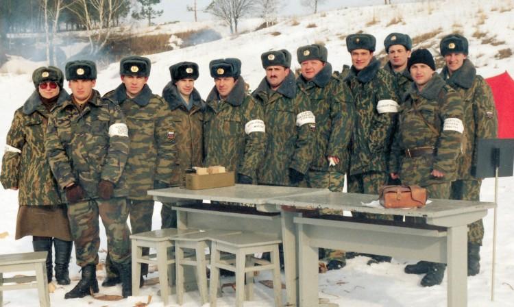 офицеры ЦВС на выполнении стрелб  2006