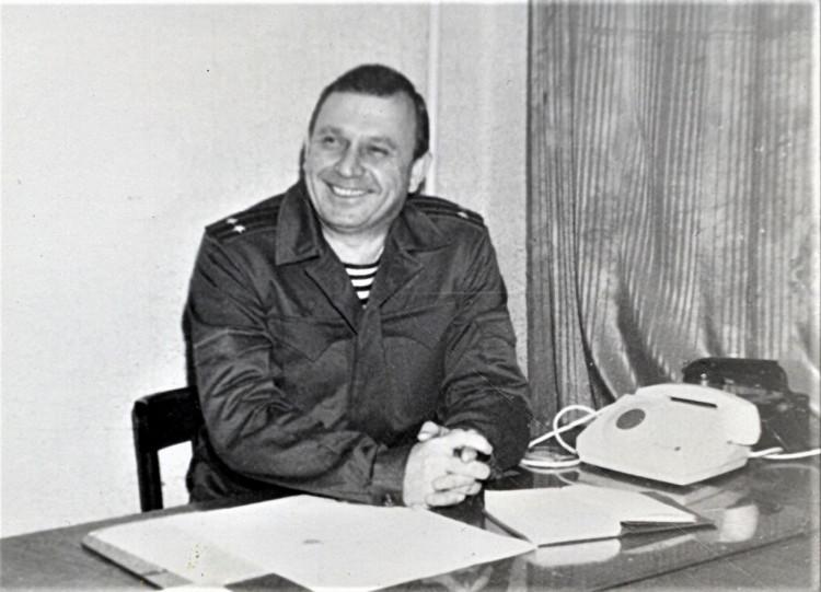 начальник ветеринарной службы БВО В.П.Ветров в Чернобыле. 1986г