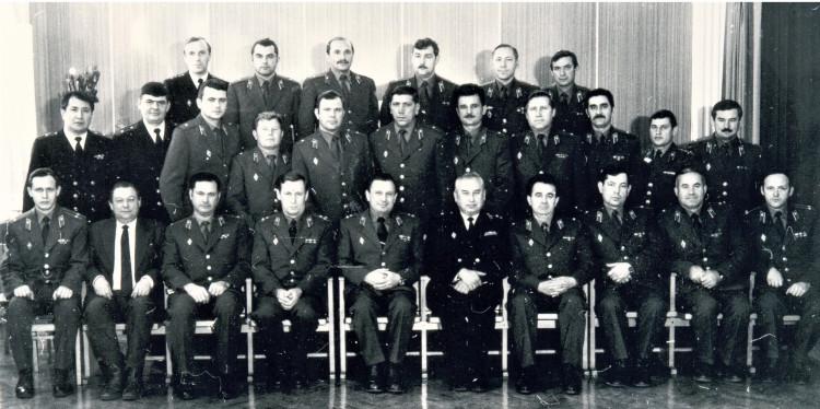 Дальневосточники. Начальник ВВО МО СССР полковник  В.П. Ветров в центре