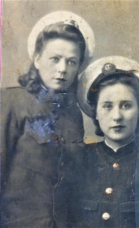 Щербакова Валентина и подруга-курсанты Высшей юридической школы НКВД , г. Одесса, 1940г.