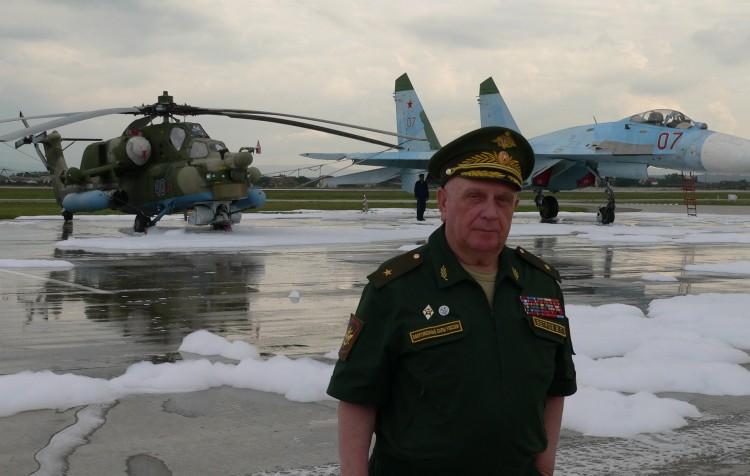 генерал Виталий Ветров на полигоне