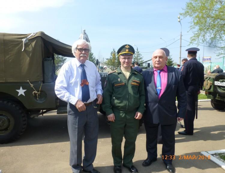 генерал В.П.Ветров с соратниками