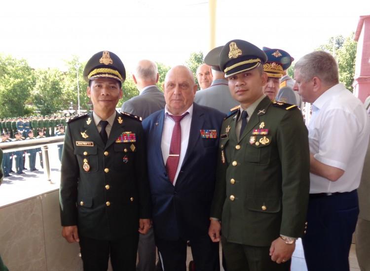 генерал В.П.Ветров и офицерами дружественной армии
