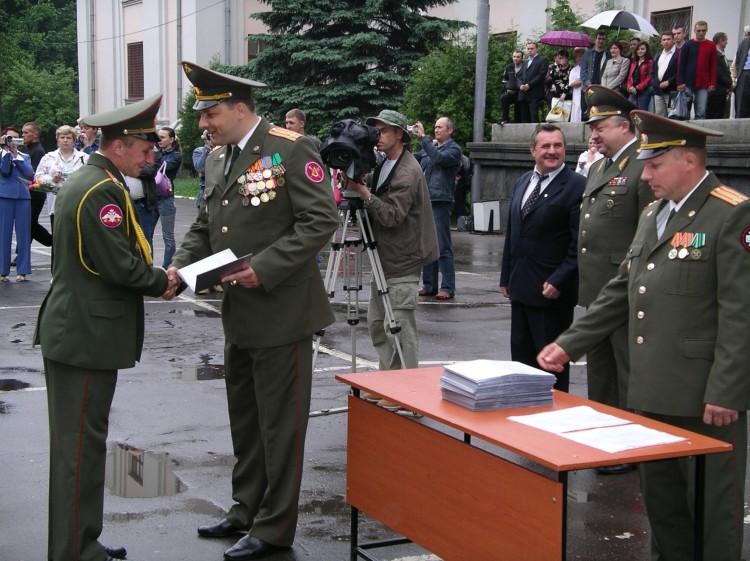 Вручение дипломов офицерам ВВИ