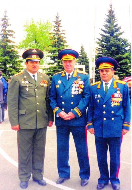 Руководящий состав ПУРВО, И.С. Колесниченко слева 1995г.