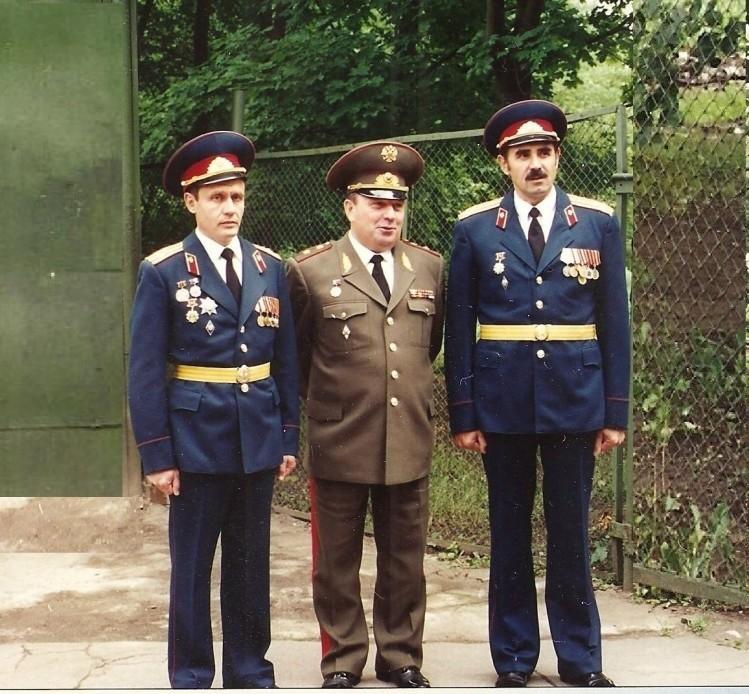 было красиво на службе. В.П.Попов, генерал В.П.Ветров,, Ф.Ф. Скидан
