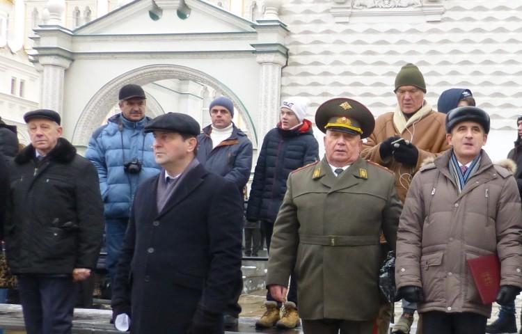 на соборной площади древнего Кремля