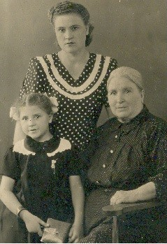 Евдокия Тихоновна  Ветрова, бабушка Ножеева Василиса Егоровна, Нинила Степановна Соколова
