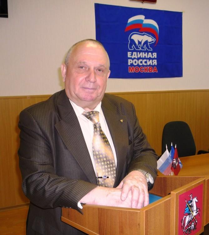 генерал армии В.Ф.Ермаков и генерал-майор В.П. Ветров на полигоне