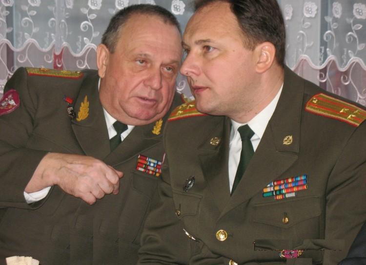 генерал-майор В.П .Ветров, полковник Ю.Г.Боев