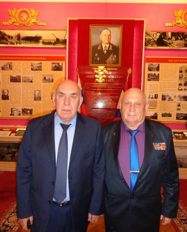 генерал-полковник С.А.Маев, генерал-майор В.П.Ветров