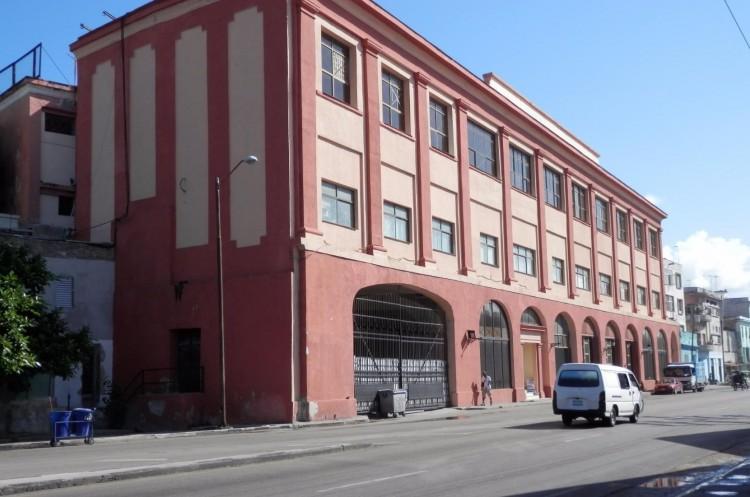 припортовая база, основное место работы Виталия Ветрова в Гаване.
